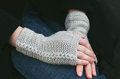 These fingerless mitts look really cosy. http://www.ravelry.com/patterns/library/side-by-side-2