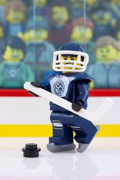 Hockey Night in Canada, Lego style | via Flickr.