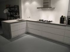 Afbeeldingsresultaat voor witte keuken met betonlook blad