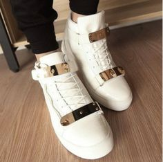 In love with this pair of shoes!! Available on aliexpress