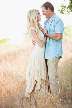 Boho family photos mommy's little sunshine photography family photo ou Older Couple Poses, Couple Photoshoot Poses, Couple Posing, Older Couples, Older Couple Photography, Family Photography, Lifestyle Photography, Photography Ideas, Family Portraits