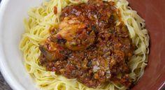 Κοτόπουλο κοκκινιστό με ταλιατέλες Cookbook Recipes, Cooking Recipes, New Menu, Greek Recipes, Spaghetti, Beef, Ethnic Recipes, Food, Favourite Chicken