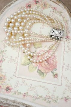 """""""I feel undressed if I don't have my pearls on."""" ~Lady Sarah Churchill I have always loved pearls. Pearl Love, Pearl And Lace, Pearl Jam, Pearl Jewelry, Vintage Jewelry, Jewlery, Pearl Necklace, Vintage Pearls, Jewelry Box"""