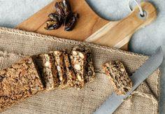 Glutenfritt brød med frø og nøtter | Tara.no