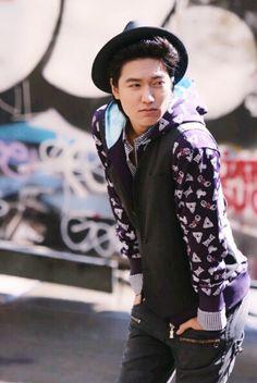 Lee Min Ho, Vogue Girl, 2009. Vogue Photoshoot, Lee Min Ho Photos, Minho, Bomber Jacket, Fashion, Amor, Frases, Moda, Fashion Styles