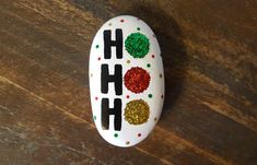 Easy and Fun Christmas Crafts for Toddlers - Painted Rocks Wonderful Ideas Of Painted Christmas Rock Rock Painting Patterns, Rock Painting Ideas Easy, Rock Painting Designs, Christmas Crafts For Toddlers, Toddler Crafts, Holiday Crafts, Holiday Decorations, Stone Crafts, Rock Crafts