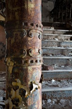 Detail of one of the cast iron columns supporting the staircase in the Samuel R. Smith Infirmary.    via The Kingston Lounge