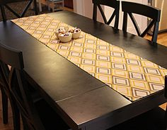 I like how the table runner goes just to the ends of the table and doesn't hang over.