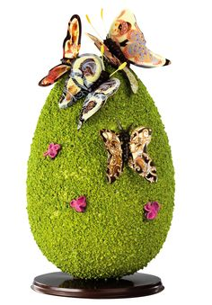 The French pastry chefs design a spectacular Easter - Easter Chocolate, Chocolate Art, Hoppy Easter, Easter Eggs, Chocolate Centerpieces, Artisan Chocolatier, Egg Cake, Chocolate Sculptures, Easter 2020