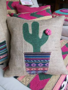 45 Ideas Embroidery Cactus Pillow For 2019 Cactus Craft, Cactus Decor, Diy Pillows, Decorative Pillows, Throw Pillows, Cushions, Sewing Crafts, Sewing Projects, Creation Couture