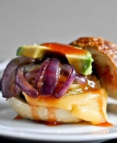 BBQ Portobello Sliders I howsweeteats.com  #meatlessmonday #vegetarian