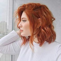 Try these fashionable hairstyles for your red hair and put on your style! Looking for a fresh, dynamic look for your short, red hair? Nobody can reach the energy. Cabelo Jennifer Lawrence, Retro Haircut, Redhead Hairstyles, Short Red Hairstyles, Hairstyles 2018, Ginger Hair Color, Ginger Hair Dyed, Dream Hair, Short Hair Cuts