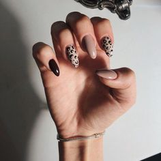 Leopard Nails Nude Nails - Nails How to use nail polish? Nail polish in your friend's nails looks perfect, nevertheless, you can't ap Summer Acrylic Nails, Best Acrylic Nails, Spring Nails, Summer Nails, Fall Gel Nails, Acrylic Art, Winter Nails, Stylish Nails, Trendy Nails