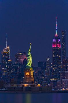 Empire State And Statue Of Liberty II by Susan Candelario - . - Empire State And Statue Of Liberty II by Susan Candelario – Brand new York Motels with Private pools: New York Wallpaper, City Wallpaper, Purple Wallpaper, Manhattan Skyline, New York Skyline, Lower Manhattan, New York Cityscape, Manhattan New York, World Trade Center