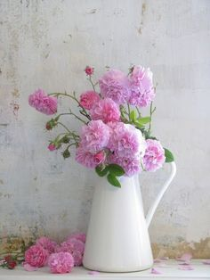 another lovely jug vase!