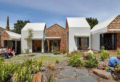 Arquitetura Sustentavel: Tower House: Uma casa com aspecto de aldeia e hort...