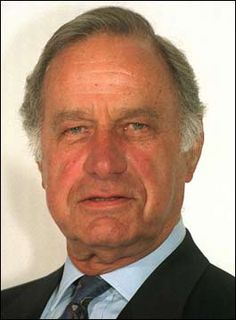 Geoffrey Palmer looks rather like Nicholas Farrell British Comedy, British Actors, Uk Actors, Actors & Actresses, Bbc Tv Shows, Great Comedies, Judi Dench, As Time Goes By, Comedy Tv