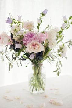 Photography : Sonya Khegay Read More on SMP: http://www.stylemepretty.com/living/2014/06/05/diy-spring-bouquet/