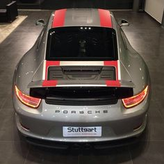 Novo!!! Porsche 911 (991) R Unidade número 551 de 991 grey and red stripes produzidas. By…