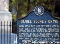 Two towns claim to be the final resting place of Daniel Boone -- Frankfort, Kentucky and Marthasville, Missouri. 1 Day Trip, Weekend Trips, Frankfurt, Missouri, Kentucky, Vacations, Rv, Inspiration, Holidays