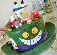 Gluten free brownie cake! Mad Hatter Cake #madhattercake #glutenfreecake #dandaná @dandanaglutenfree