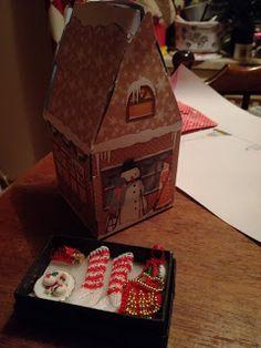 Vinkelin napit ja korut, taidetta ja käsitöitä: Kortteja, koruja ja nukkekotitavaroita