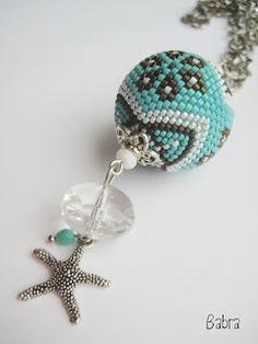 Gigaberry beaded bead pendant by Babra (Babragyöngy)