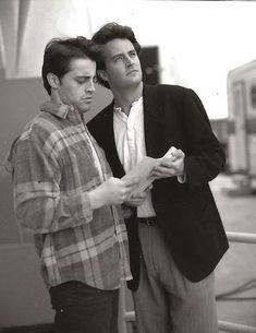 Matt LeBlanc and Mathew Perry Friends Tv Show, Joey Friends, Serie Friends, Friends Cast, Friends Moments, Friends Forever, Friends Episodes, Ross Geller, Rachel Green