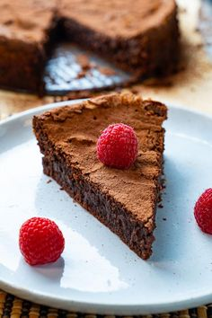 A moist and fudgy flourless chocolate almond cake! Chocolate Almond Cake, Decadent Chocolate Cake, Almond Cakes, Melting Chocolate, Chocolate Chips, Cake Recipes, Dessert Recipes, Flourless Chocolate Cakes, Chocolate Desserts