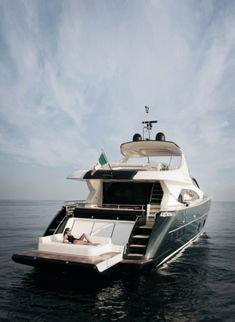 Luxury Yacht - my next boat? Yacht Design, Yachting Club, Bateau Yacht, Ski Nautique, Yacht Interior, Interior Design, Naval, Love Boat, Yacht Boat
