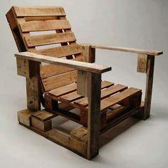 Más palets para fabricar un sillón.