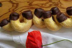 I biscotti fortunelli con cioccolato sono dei biscottini che si preparano molto velocemente e che faranno impazzire anche i più piccoli. Ecco la ricetta