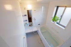 ガンコな汚れが面倒なお風呂掃除。そんな時は、重曹とクエン酸を使って楽々キレイに!|LIMIA (リミア)