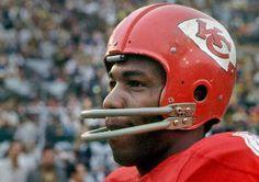 The Great Otis Taylor. Football Jokes, Nfl Football Players, Football Helmets, School Football, School Sports, American Football League, National Football League, Otis Taylor