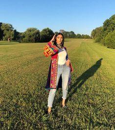 Afghan Clothes, Afghan Dresses, Afghanistan Culture, Pakistani Dresses, Capri Pants, Celebrities, Style, Fashion, Swag