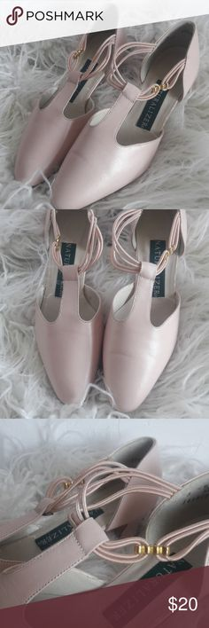 Cute light pink vintage heels Vintage light pink Naturalized heels  Tags: vintage style, mod, 1960s, 1950s, 50s, 60s, pink, light pink, pointed toe, kitten heel, Jackie Kennedy style, Audrey Hepburn style Naturalizer Shoes Heels