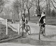 Garter Girls: 1925
