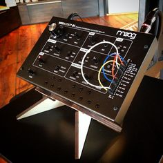 "#Moog #Werkstatt on display on our ""Hero"" tabletop stand, at the #MoogStore • http://cremacaffedesign.com/hero/ • #Cremacaffedesign #musicgear #synth #tabletop #stand"