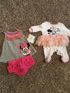 Comes with two Minnie Mouse outfits. The Minnie tutu onesie has been washed never worn size is Newborn. The two piece Minnie outfit is brand new size is months. Both so cute! Baby Park, Baby Coming Home Outfit, Baby Cereal, Silicone Reborn Babies, Cute Baby Pictures, 3 Months, Babys, Cute Babies, Minnie Mouse
