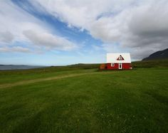 Search tours and accommodation with Icelandic farm holidays