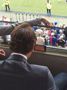Stefan Schuler @schulerst  #Federer watching his team #FCB vs #SIO and #RolandGarros :) @20min @rogerfederer @srfsport   https://twitter.com/schulerst/status/607543826564136963  http://www.tennisworldusa.org/Roger-Federer-Multitasking-Fan-for-Stan-Wawrinka-%28PICS-INSIDE%29-articolo24388.html.1