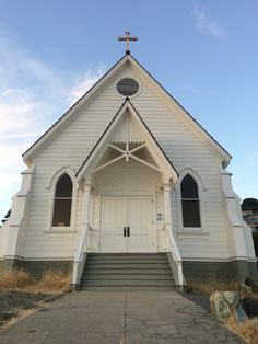 Old Saint Hilary's https://vimeo.com/66181274  did not let us down! What a lovely place to get married. (Tiburon, CA)