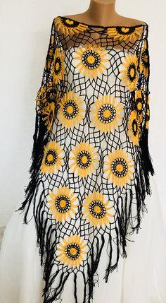 hippie outfits 125326802118037873 - Source by Morsevgi Crochet Woman, Hand Crochet, Knit Crochet, Crochet Designs, Crochet Triangle Scarf, Crochet Sunflower, Crochet Monsters, Crochet Shawls And Wraps, Crochet Motif