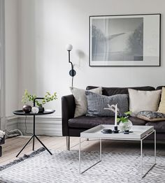 Large stylish flat - via Coco Lapine Design blog