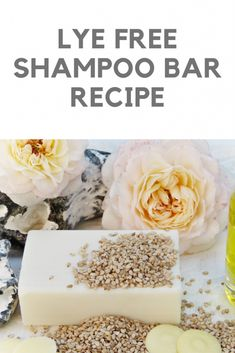 Shampoo bar WITHOUT lye - An easy DIY recipe for a soothing, cleansing shampoo bar for all hair types. There is no lye in thi - Homemade Shampoo And Conditioner, Diy Shampoo, Shampoo Bar, Solid Shampoo, Diy Cosmetic, Homemade Soap Recipes, Homemade Facials, How To Make Shampoo, Diy Recipe