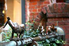Bremer Stadtmusikanten als Brunnenfiguren in der Böttcherstraße