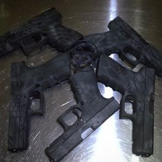 That is how it's done, 5 glocks 2 models. All kryptek.  #cerakotekings #blackgunsareboring #theoriginalcerakotekings #glock #sickguns #gunsdaily