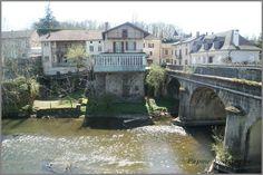 Voici les photos du village de Bagnac-sur-Célé et des alentours. Certes ce n'est pas l'Auvergne mais si proche la Chataigneraie cantalienne . Pour rappel, et pour situer ces images dans leur contexte, Bagnac-sur-Célé est situé dans le département du Lot...