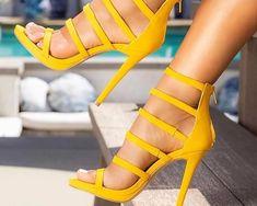 10 Σανδάλια που πρέπει να φορέσεις φέτος το καλοκαίρι για να ξεχωρίσεις! Stiletto Heels, Sandals, Shoes, Fashion, Zapatos, Shoes Outlet, Fashion Styles, Fasion, Fashion Illustrations