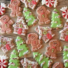 Thank you for sending me a sample of the gingy mix when I ordered sprinkles for my friends! such a nice surprise! Christmas Sugar Cookies, Christmas Treats, Christmas Baking, Merry Christmas, Gingerbread Man, Gingerbread Cookies, Holiday Boutique, Ceramic Bisque, Custom Cookies